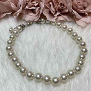 Faux Pearl Necklace Like New Condition